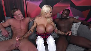 Cougar slut deals twosome zoological dicks in a wild trinity