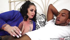 Lustful curvy MILF wants his hyacinthine shaft