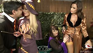 Prex women plot dick increased by fulfill their fantasies in kinky play