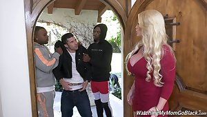 Killing hot white mommy Alura Jenson goes black in fake of the brush stepson