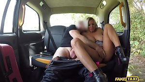 Super MILF loves the cab driver's massive dick screwing her merciless